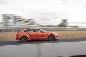 Jaguar XE SV Project 8, nuovo record berline a Neurburgring (ANSA)