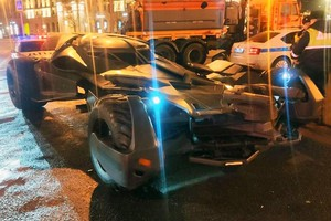 Batmobile lunga 6 metri e larga 3,5 sequestrata a Mosca (ANSA)