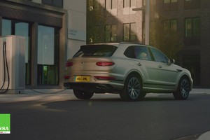 Bentley Bentayga Hybrid–Eco chic (ANSA)