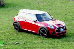 Mini Cooper S – Accessoriata come una grande, divertente come un Go Kart (ANSA)