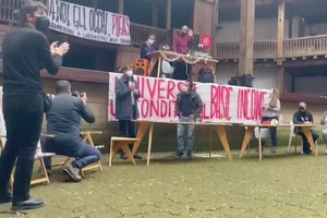 Covid, Franceschini al Globe Theatre occupato: